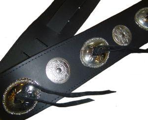 Bull Кожен колан за китара с метални украшения